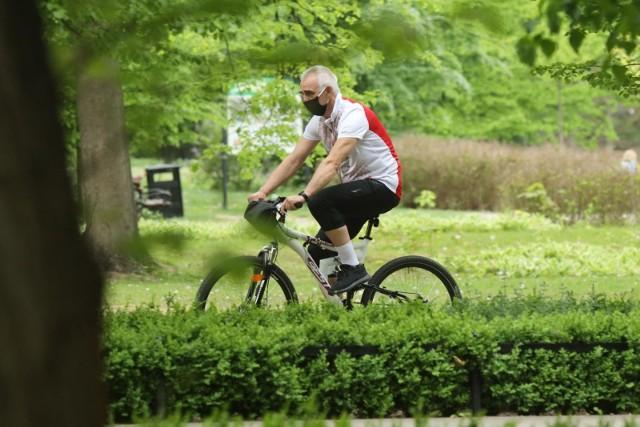 Od kiedy można biegać i jeździć na rowerze? Rząd łagodzi zakazy związane z epidemią koronawirusa