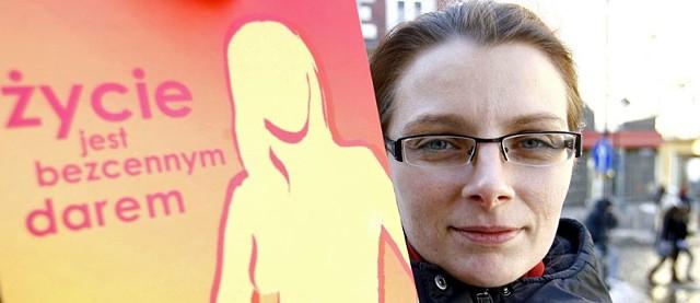 - Jestem oburzona decyzjami urzędników. Uważam, że oszczędzanie na tak ważnych badaniach to skandal! – bulwersuje się Joanna Zandecka z Rzeszowa.