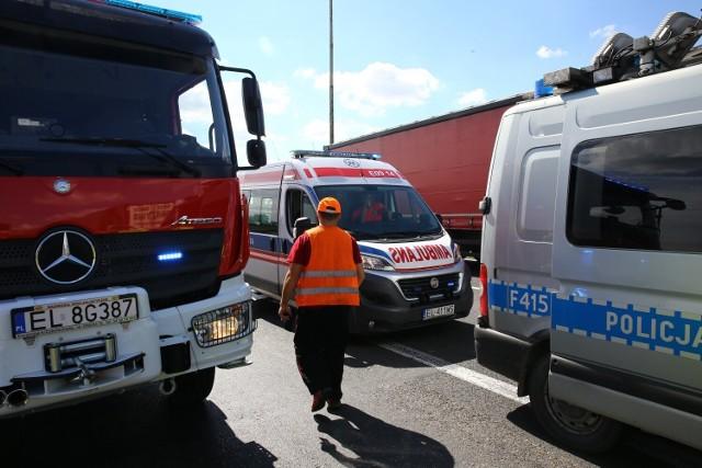 Policjant potrącił kobietę w Wolborzu i uciekł z miejsca zdarzenia. To dzielnicowy z komendy w Piotrkowie. Później sam zgłosił się na policję
