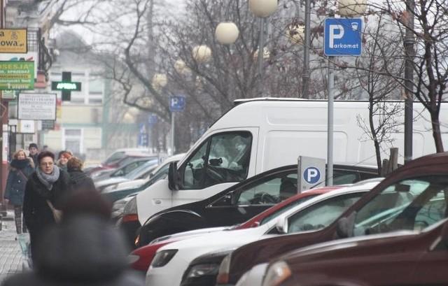 Miejsc parkingowych we Włocławku brakuje