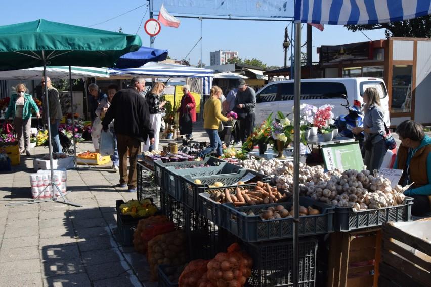 W piątek 3 września na kieleckich bazarach ceny owoców i...
