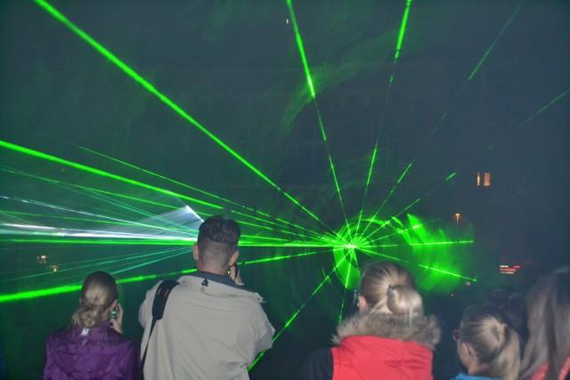 Pokaz laserów zakończył trwający od środy w Częstochowie Festiwal twórczości rodziny Bachów.