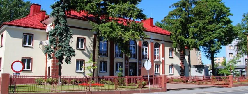 U trzech pracowników Starostwa Powiatowego w Jędrzejowie potwierdzono koronawirusa. Urząd pracuje w systemie trzyzmianowym.