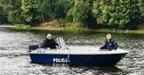Wrocław. Nastoletni harcerze po zmroku na Odrze. Wciągnął ich wir, łódź się wywróciła