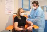 Łódzkie uczelnie planują szczepienia studentów. Pytają w ankietach kto jest chętny