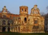 Piękne ruiny z mroczną historią. Zobacz najciekawsze opuszczone wille i pałace w Polsce