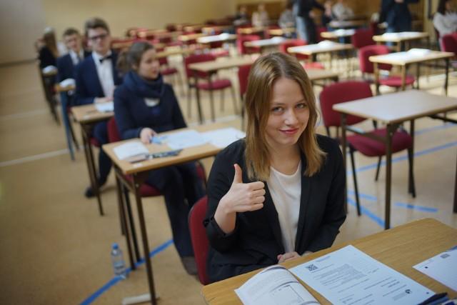 Próbna matura 2020 odbyła się w dniach 2-8 kwietnia. Maturzyści każdego dnia mieli do rozwiązania kilka testów maturalnych.