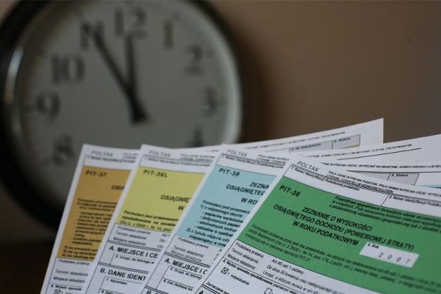 Według oficjalnych danych Ministerstwa Finansów na podatkowym Nowym Ładzie straci 470 tys. osób aktualnie pracujących na etatach. Czy mogą one uniknąć straty przechodząc na samozatrudnienie?