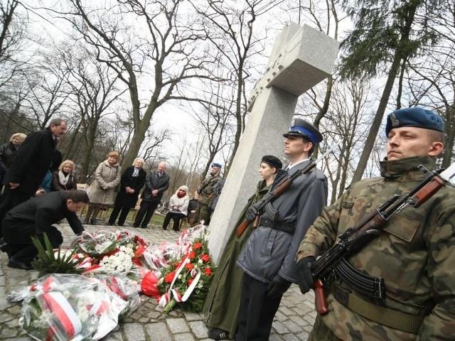 Na słupskim Starym Cmentarzu odbyła się uroczystość z okazji 73. rocznicy Zbrodni Katyńskiej.