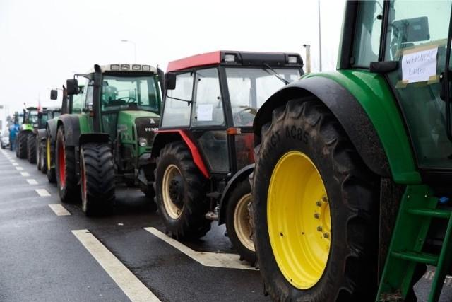 Rolnicy znów blokują ósemkę