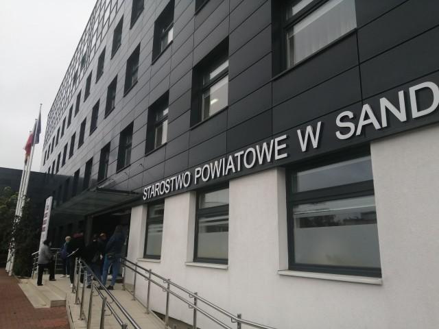 Koronawirus w Wydziale Komunikacji  i Transportu w Starostwie Powiatowym w Sandomierzu. Zakażony jeden z pracowników.
