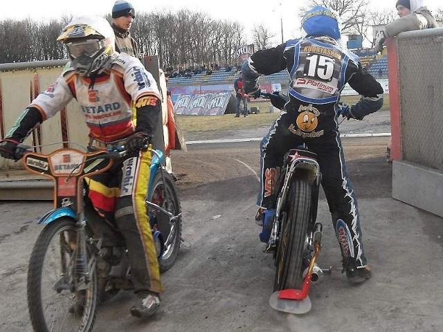 Andriej Kudriaszow (z prawej) jeszcze w przyszłym sezonie będzie juniorem, ale GTŻ nie jest nim zainteresowany