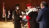 Historyczna chwila dla Uniwersytetu Rzeszowskiego. Pierwsi absolwenci medycyny otrzymali symboliczne lekarskie dyplomy [ZDJĘCIA]