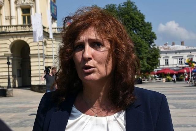Iwona Mularczyk (PiS) cieszy się najwyższym poparciem nowosądeczan. W sondażu stawia na nią 26,5 proc. wyborców