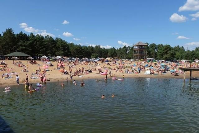 Gmina Michałowo wprowadza nowe opłaty za użytkowanie plaży w Rudni. Płatne będą między innymi parking, rozstawienie namiotu czy przyczepy kempingowej, a także chociażby wynajęcie miejsca na ognisko.