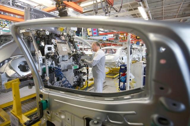 Autorzy raportu zauważają, że w IV kwartale 2021 roku 27 proc. pracodawców zamierza pozyskiwać nowych pracowników.