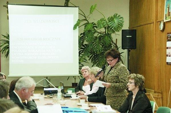 Na konferencji w poniedziałek dyskutowano o problemach związanych z paleniem papierosów
