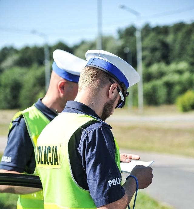 Policjanci zatrzymali 48 pijanych kierowców.