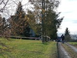 Tajemnicza sprawa mordu dwóch osób w Stryszowie. Skrępowane ciała odnalezione w spalonym domu. Policja szuka sprawców [NOWE FAKTY]