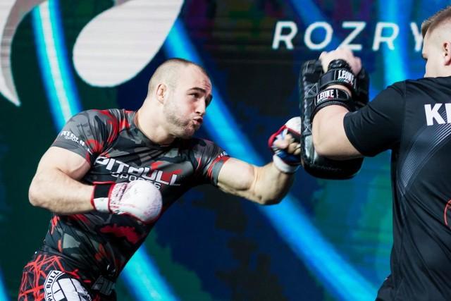 Mateusz Rębecki nadal mistrzem wagi lekkiej organizacji FEN.