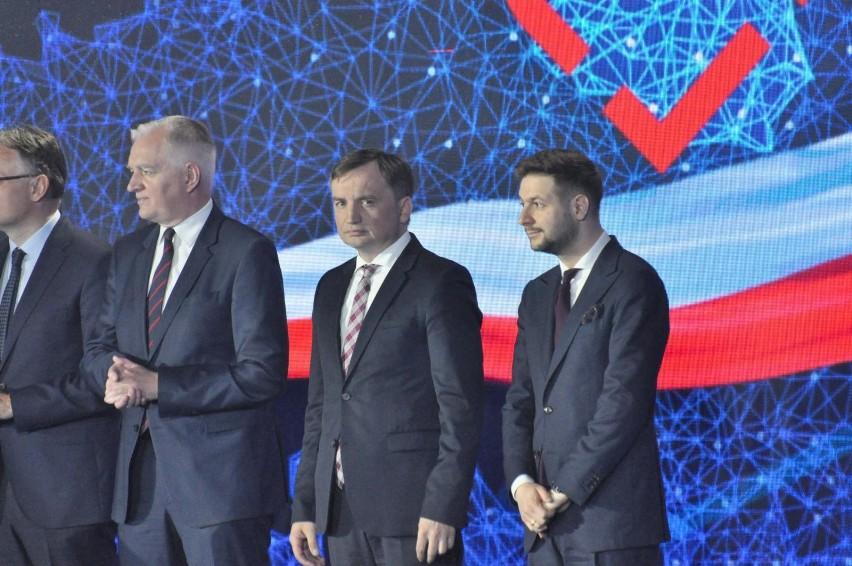 Sondaż: Przedterminowe wybory pogrążyłyby partie Ziobry i Gowina