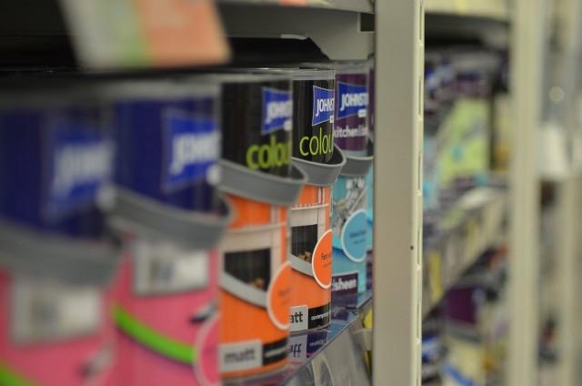 Markety budowlane podczas lockdownu. Jak kupować, zamawiać i odbierać artykuły z budowlanych sklepów? Sprawdź! >>