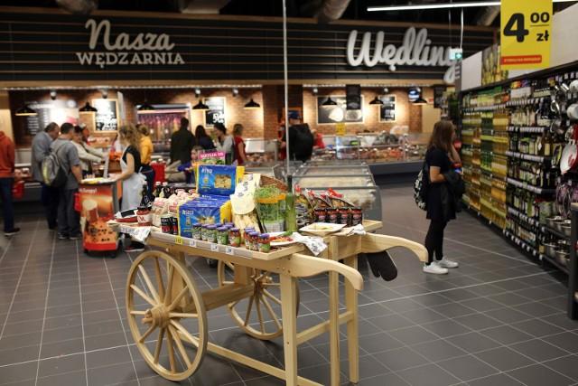 W całej Polsce w sklepach Carrefour można pakować zakupy na wagę, owoce i warzywa do własnych opakowań wielorazowego użytku. To akcja mająca na celu ograniczenie zużycia opakowań.
