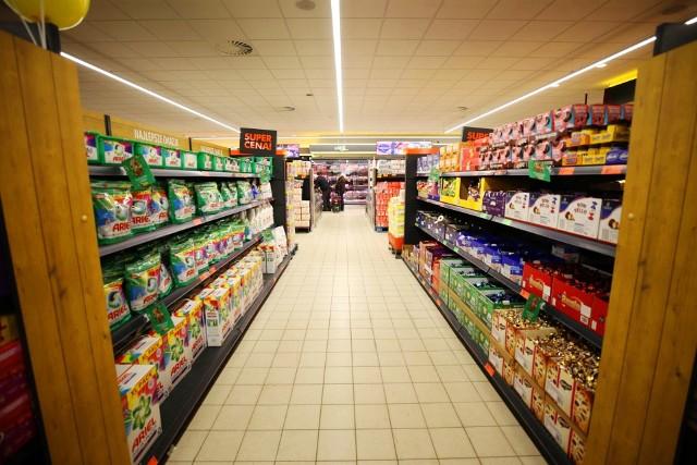 Duże sklepy, jak Biedronka, Lidl, Kaufland, czy Auchan będą zamknięte. Gdzie będzie można zrobić zakupy w Wielkanoc?
