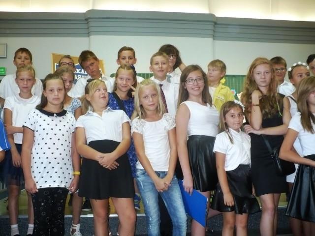 Uczniowie VI Miejskiej Szkoły Podstawowej w Piekarach Śląskic
