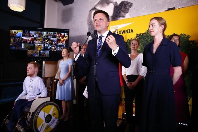 Trzecie miejsce Szymona Hołowni w wyborach prezydenckich. Niezależny kandydat zapowiada dalsze działania. Relacja ze sztabu