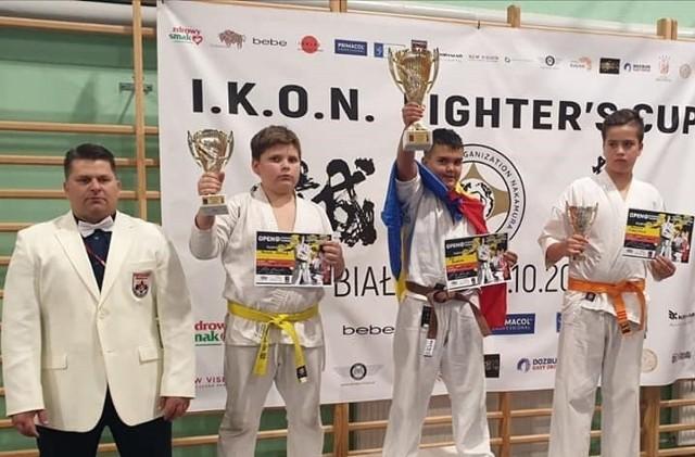 Zbigniew Goliński na zdjęciu z lewej strony