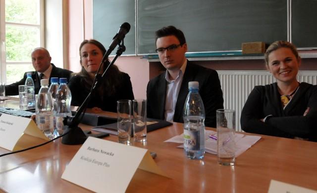 Od prawej: Barbara Nowacka, Tomasz Tokarski, Agata Czarnecka i Marian Kowalski