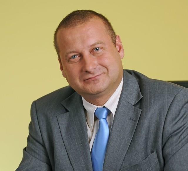 - Można było szukać innych rozwiązań - komentuje swoje zwolnienie Tomasz Pisarek.