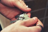 Kredyt hipoteczny czy wynajem - co się bardziej opłaca? Sprawdźcie stawki w Polsce i w regionie