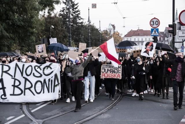 Tłumy torunianek i torunian po raz kolejny wzięło udział w proteście