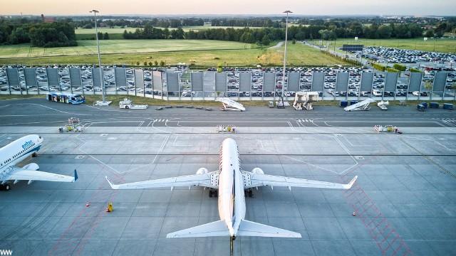 Wrocławski port lotniczy z lotu drona