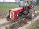 Janów: Pijany traktorzysta jeździł ciągnikiem bez koła (zdjęcia)