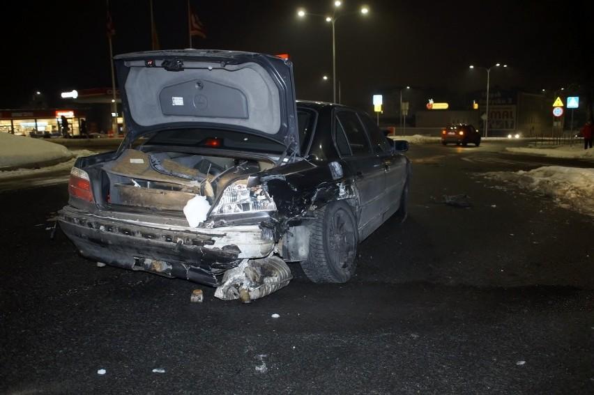 Pijany spowodował stłuczkę na rondzie Kuklińskiego w...