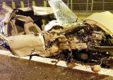 Groźny wypadek na S1 w Bielsku-Białej. TIR uderzył i zgniótł fiata. To cud, że kierowca przeżył