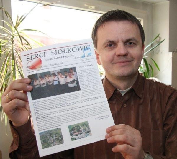 """Pierwszy numer """"Serca Siołkowic"""" wydaliśmy okazjonalnie, ale będzie to kwartalna gazeta mieszkańców naszej wsi - mówi Artur Wilpert, jeden z  jej twórców."""