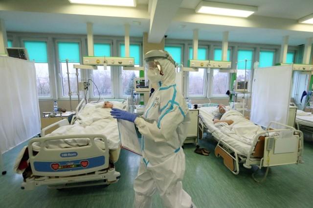 Ministerstwo Zdrowia poinformowało o 96 nowych zakażeniach. Najwięcej pochodzi z województwa mazowieckiego.