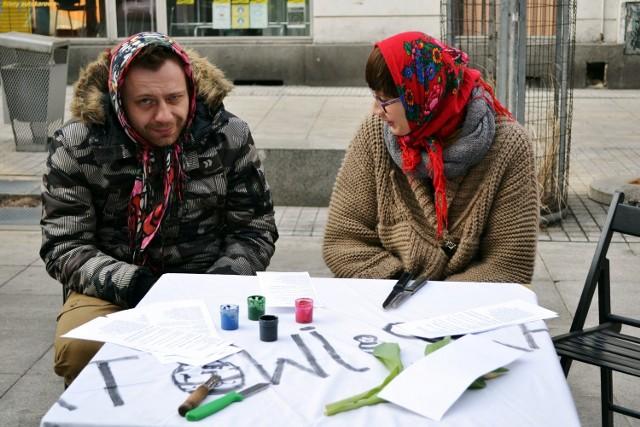 Happening Globalna Baba na Mariackiej w Katowicach