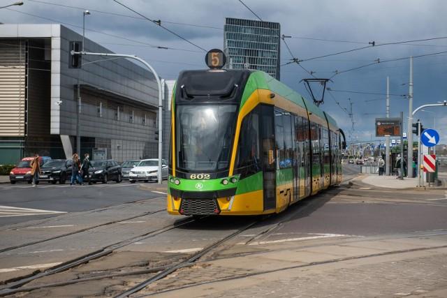 Kolizja tramwaju z samochodem osobowym