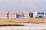 Wypadek samolotu na lotnisku w Kamieniu Śląskim. Awionetka miała awarię silnika. Twarde lądowanie maszyny, dwie osoby ranne