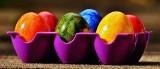 Życzenia Wielkanocne. Krótkie i wesołe życzenia na Wielkanoc 2020. Śmieszne grafiki i rymowanki