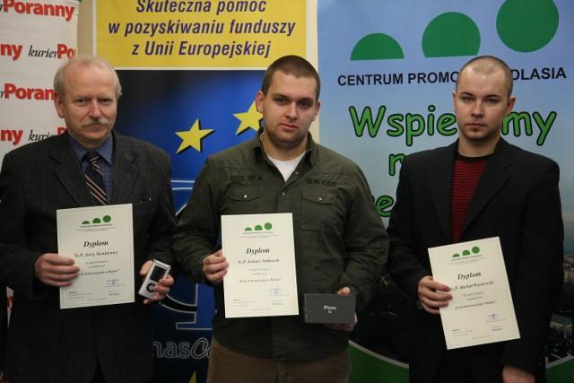 Laureaci. Od lewej: Jerzy Sienkiewicz - III miejsce, Łukasz Solniczek - II miejsce, Michał Wasilewski - I miejsce.