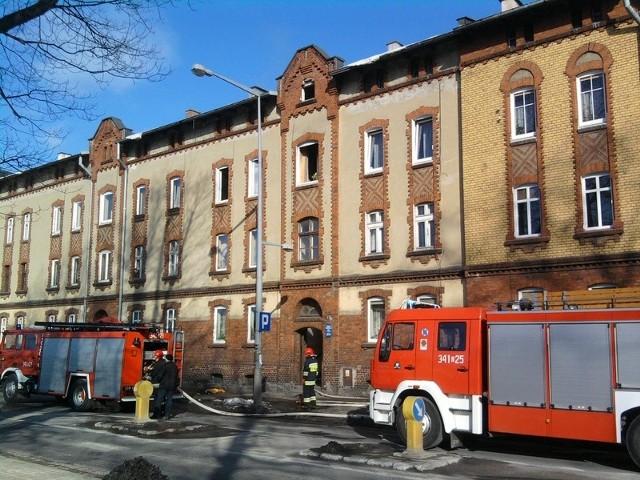 Pożar w kamienicy przy ul. Kołłątaja w Słupsku.