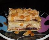 Desery. Pyszne ciasto z płatkami migdałowymi Koła Gospodyń Wiejskich [PRZEPIS]