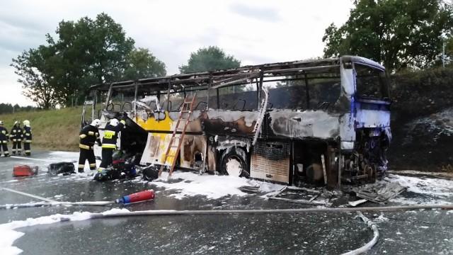 Pożar autokaru na autostradzie A4