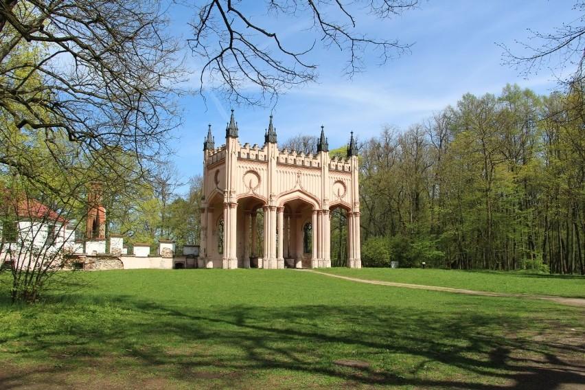 Ruiny Pałacu Paca w Dowspudzie...